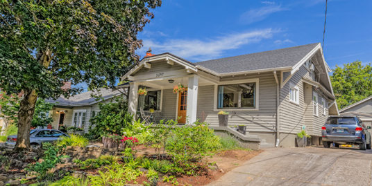 3247 NE Davis Street, Portland, Oregon
