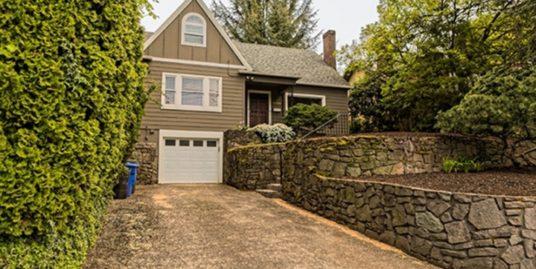 3325 SE Stark St, Portland, Oregon